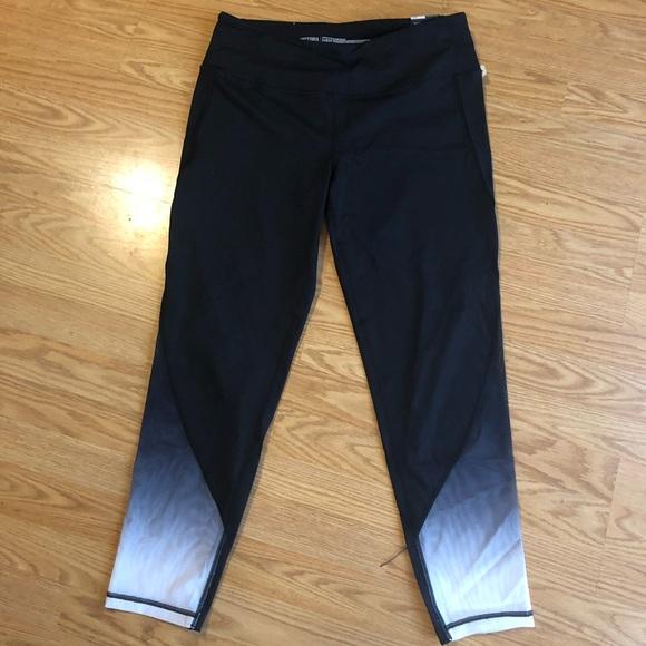 a4a455c6d6336d Victoria's Secret Pants | Nwt Victorias Secret Knockout Ombr Legging ...